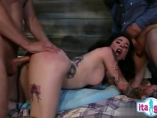 Hot cowgirl eating cum