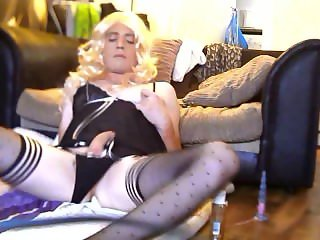 Sissy Cums on her face