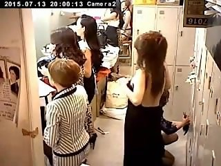 Jap changing weird bra big pants. Avril LIVE on 1fuckdate.com