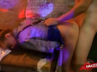 Young pornstar pussy sucking