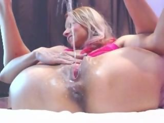 Piss Squirting Explosion