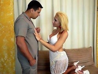 Shemale NATHYELE NINFETINHA sucks Alex Junior and then gets fucked