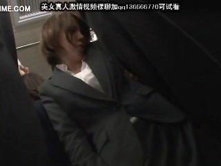 cute japanese schoolgirl seduced by geek in bus 06