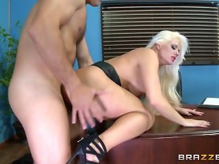 Brazzers - Hot office sex with Holly Heart