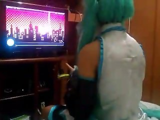 CUTE HATSUNE MIKU COSPLAY SCREAMING LIKE A WHORE