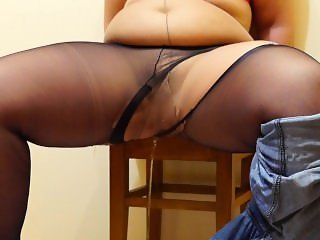 fatty pissing in jeans and pantyhose