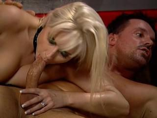 Daria Glower & Kristi Lust - Swinger's Club Prive 1 VIP Orgy
