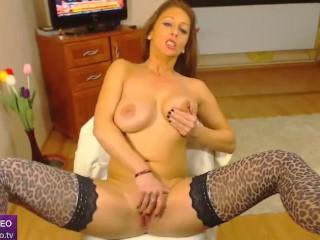 WildSheila Livejasmin spread legs & pussy