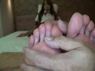 asian foot worship / asian foot fetish