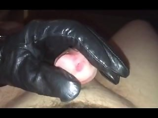 Footjob/Handjob with black winter leather gloves