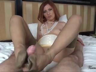 Nylon vixen footjob