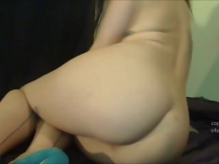 Sexy Emma nude farting
