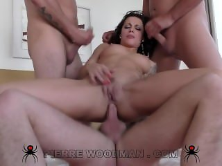 Nikita Bellucci - Hard - My first TAP with 3 men