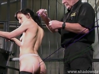 Needle decoration of slave Elise Graves in start of edge play session in Eu