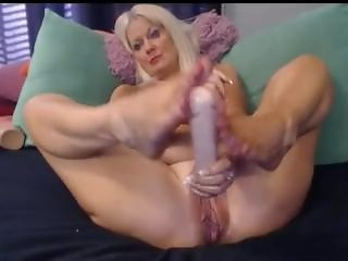 BIG DILDO GOES INTO GRANNY