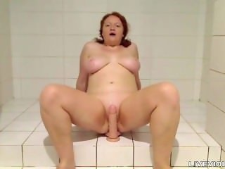 Sexy busty 18 ginger daddy's girl Agness takes a shower