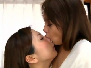 2 girls lick each other nose