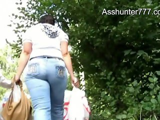 Asshunter777.com Mom with big juicy ass in blue jeans HD
