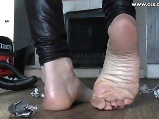 milf clean soles