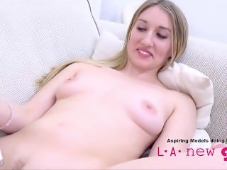 SUPERMODEL GIVES BLOWJOB AT PHOTO SHOOT AUDITION