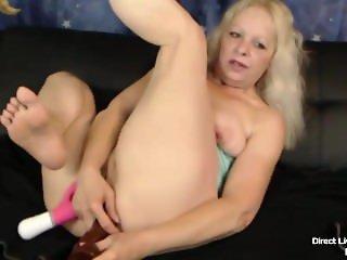Small flexible pale granny Heidi Hoe enjoying DP