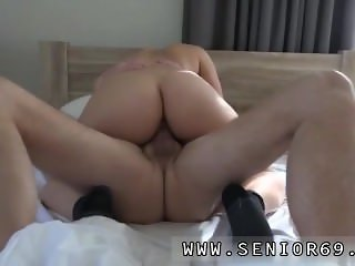 Cuckold pool and sexy She decides to wake him with a cute surprise.