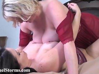 RachelSt0rm And magg1e gr3en licking each other