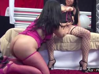 Chubby Latinas tribbin out HD