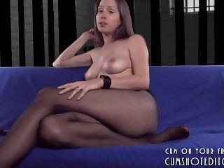 Hot Amateur Pantyhouse Mom