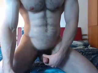 HAIRY MUSCLED FRENCH STRAIGHT STUD ON CAM - HOT