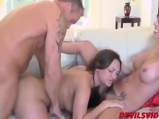 Hot Olivia Wilder and Dava Foxx having hard threesome sex