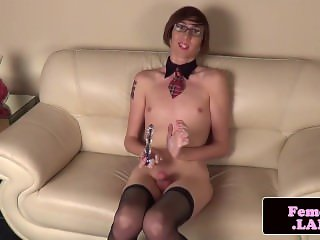 Spex trans femboy toying her ass