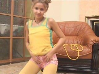 Vera - pussycat yellow pantyhose tease