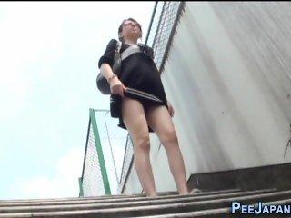 Strange japanese pissing