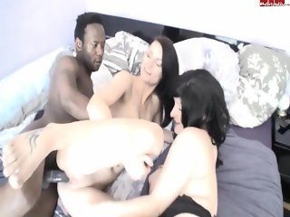GB schlampe interracial threesome