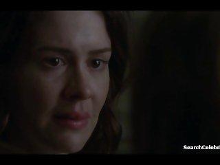 Lizzie Brocheré - Sarah Paulson - American Horror Story s2e2