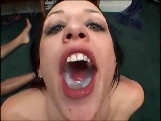 Compilation swallow Deja Daire & Jasmine Byrne