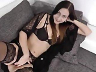 Eine sexy hure sur un site web fick