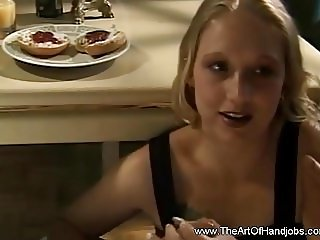MILF Is Expert At Tugjob