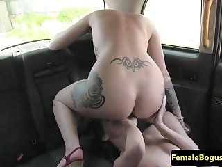 British cabbie gets her pussy licked by les
