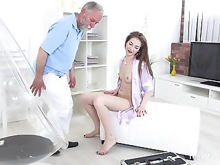 TeenMegaWorld - Old-n-Young - Doctor licks cutie