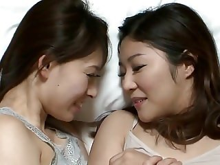 Sana Mizuhara and Karin Sonoda - close friends
