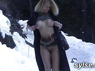 Masturbating in mountain