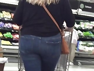 Chubby Blonde Tight Jeans Ass