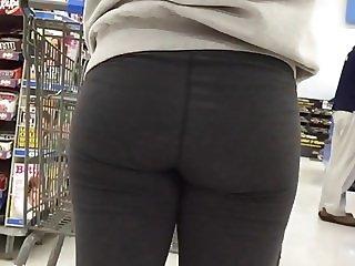 Beautiful Teen Ass in Leggings