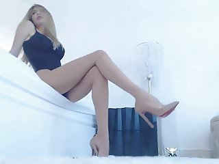 Worship Feet in High Heels