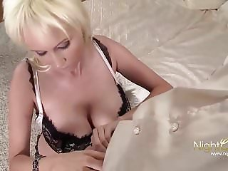 In Love with an blond Escort