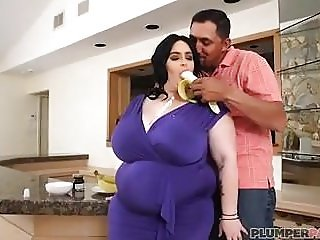 Sexy Big Tit BBW Alyson Galen Swallows Banana and A Huge Coc