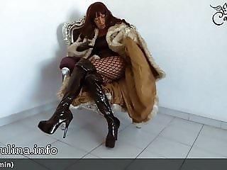 Herrin Traegt Pelzmantel Fur Coat Overknee Boots Furfetish