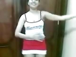 Hot Arab Girl Dancing 008